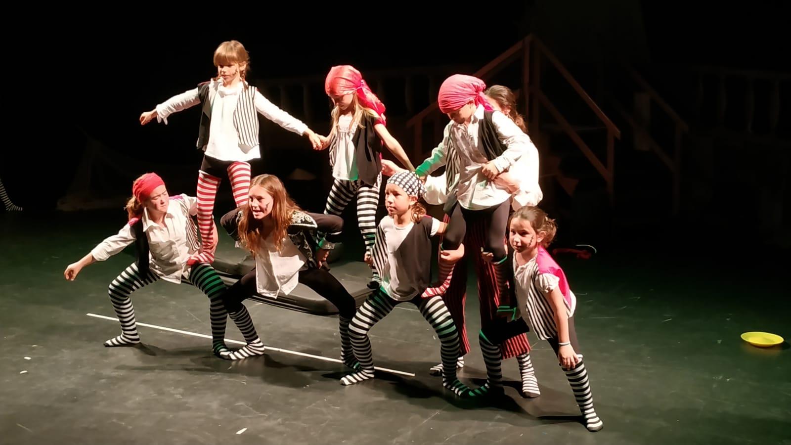 Escola casa nostra primaria circ